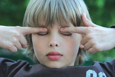 массаж глаз для улучшения зрения делается самостоятельно