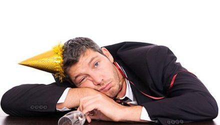Последствия переедания, употребления алкоголя в праздники, что делать