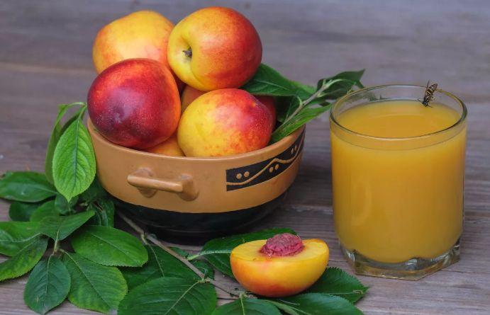 польза персикового сока