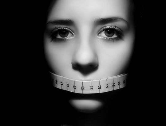 анорексия, симптомы, признаки, стадии, лечение