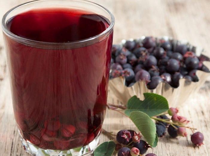 компот из ирги - витаминный напиток