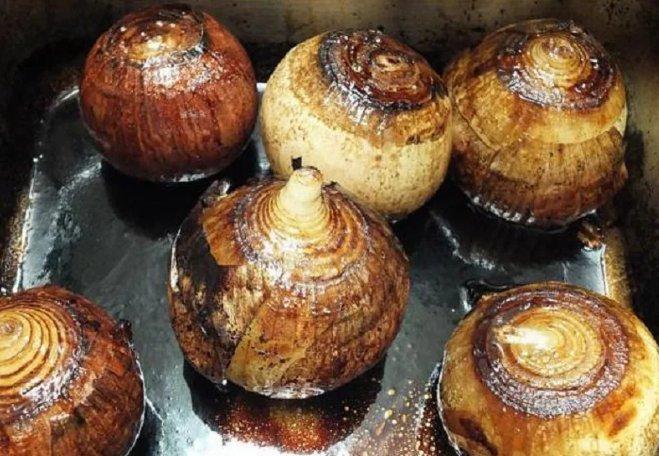 печеный лук в духовке