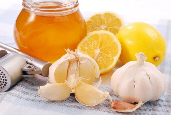 смесь для очищения сосудов (чеснок, лимон, мед)