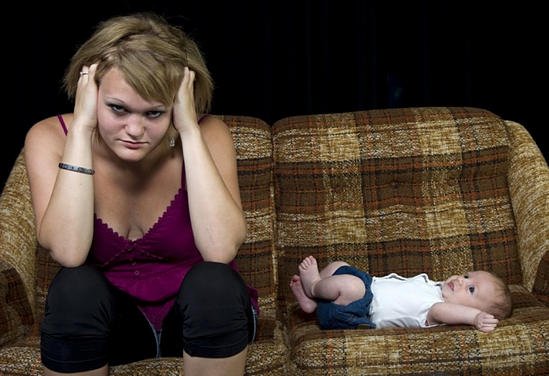 послеродовая депрессия - причины, симптомы