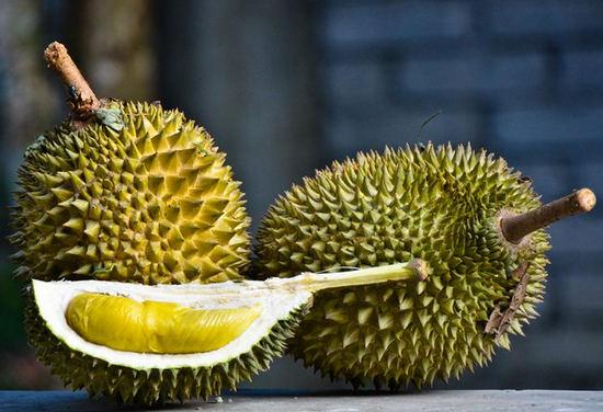 плоды фрукта дуриан - польза и вред
