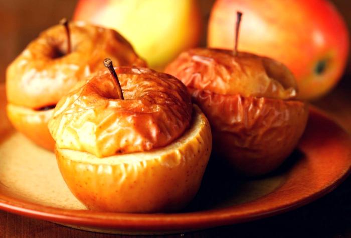 польза печеных яблок и лечебные свойства