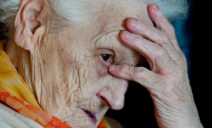 деменция у пожилых людей что это за болезнь