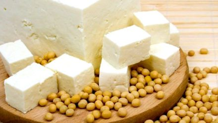 Сыр тофу, что это, польза и вред, как приготовить, как едят соевый сыр