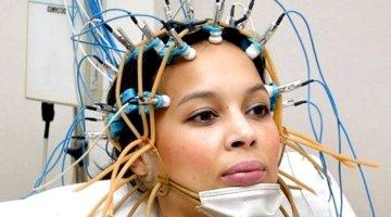 ЭЭГ головного мозга — что показывает, как делают, норма, расшифровка результатов