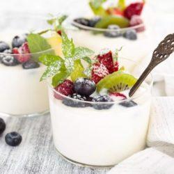 Йогурт — польза и вред, как приготовить в домашних условиях, калорийность