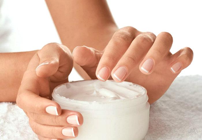 увлажнение и смягчение кожи рук