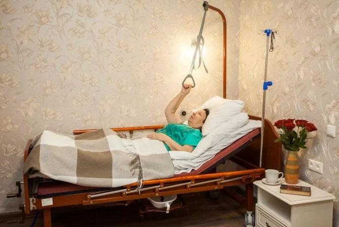 устройство кровати для лежачих