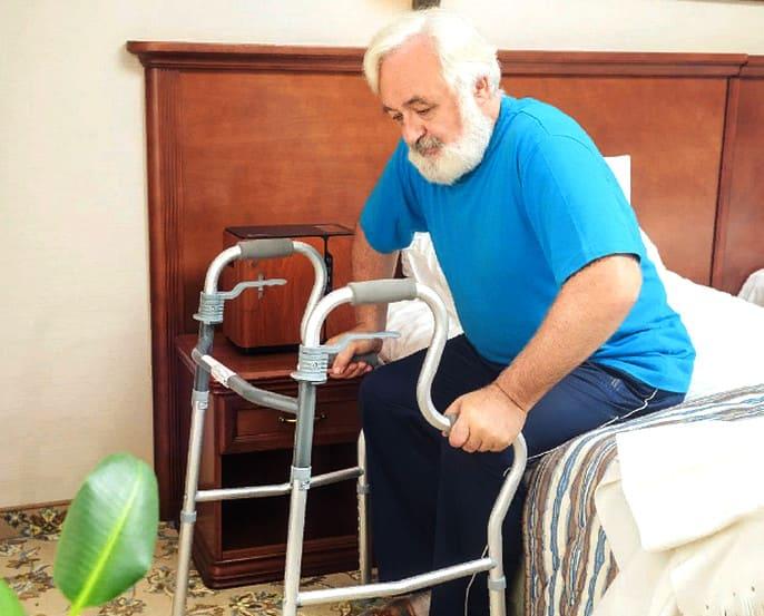 лечебная физкультура после инсульта- упражнения с опорой